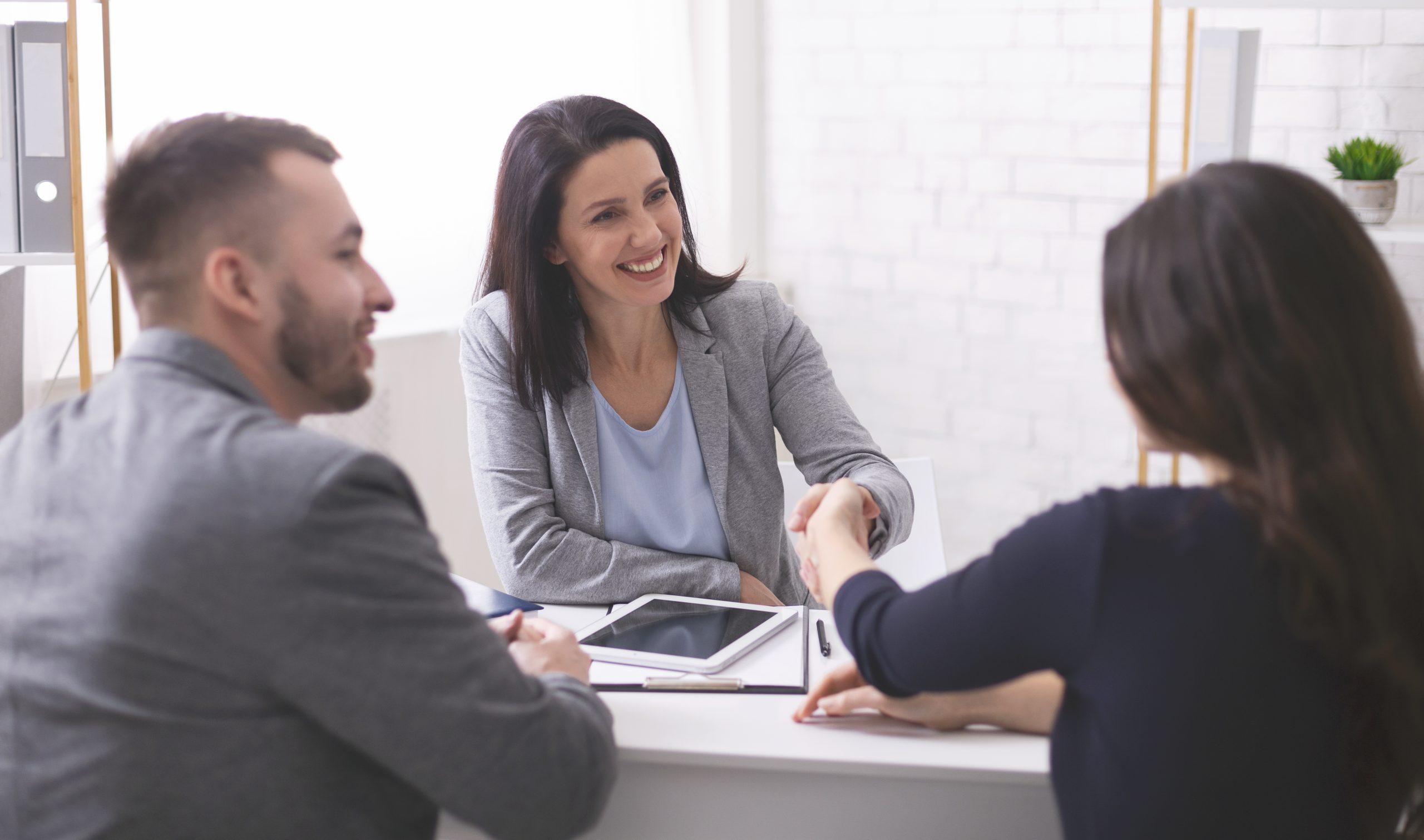 Jak przygotować się do rozmowy z agentem?